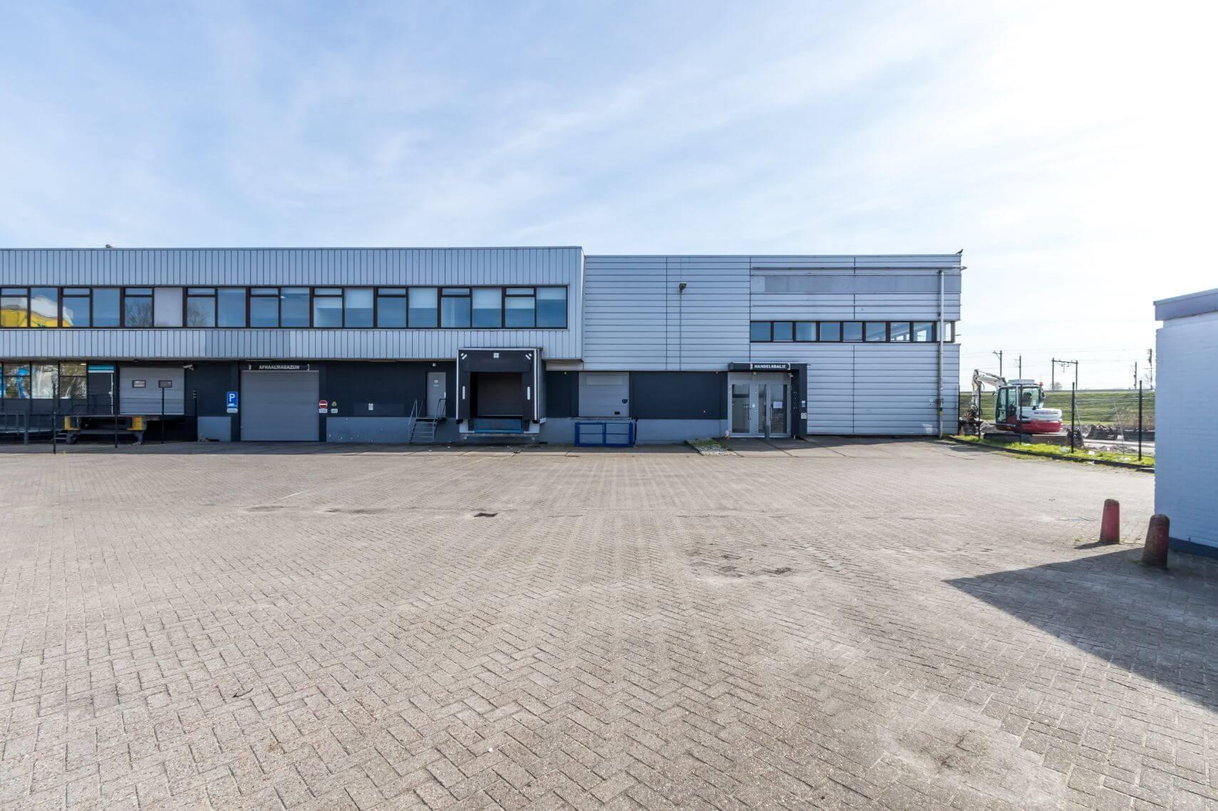 Bedrijfsruimte Van der Madeweg 39/53-57